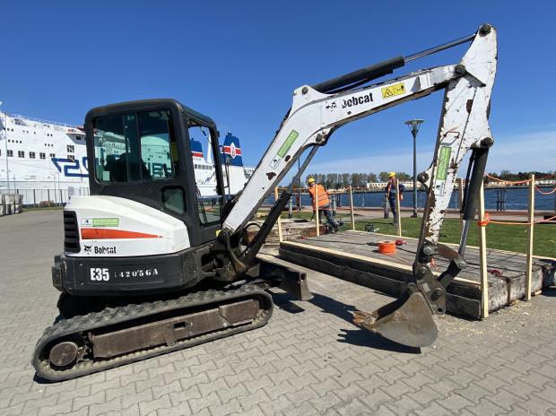 Przygotowania do modernizacji nabrzeża Ziółkowskiego w Gdańsku rozpoczęły się pod koniec ubiegłego tygodnia.