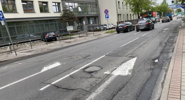 Odcinki ulic, które przechodzą remont, są w kiepskim stanie.
