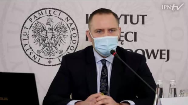 Karol Nawrocki podczas przesłuchania kandydatów na prezesa IPN pod koniec kwietnia. Wygrał ten konkurs.