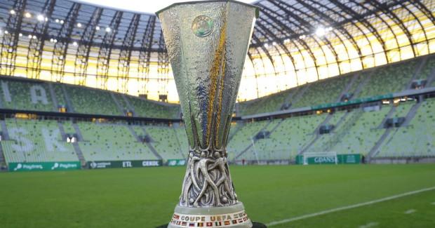 Puchar dla drużyny, która wygra Ligę Europy.