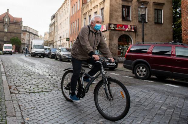 Sejm odrzucił projekt dotyczący zwiększenia odległości bezpiecznego wyprzedzania rowerzystów.