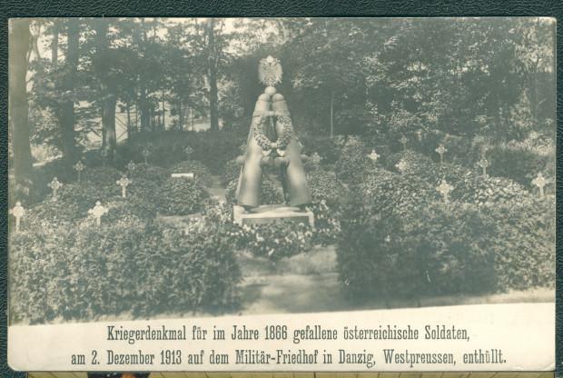 Pomnik żołnierzy austriackich z 1913 r. Obiekt przetrwał w mocno zniekształconej formie.