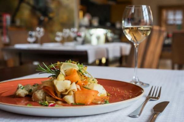 Restaurant Week na stałe wpisał się w mapę kulinarnych atrakcji Trójmiasta. Impreza trwa od kilku lat, a jednym z jej stałych uczestników jest Restauracja Filharmonia.