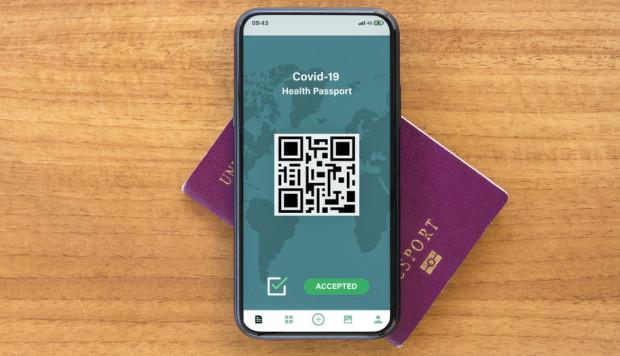 Pasażerom odmówi się wjazdu do danego kraju, jeśli nie mają kodu QR wskazującego, że wypełnili formularz kontroli zdrowia.