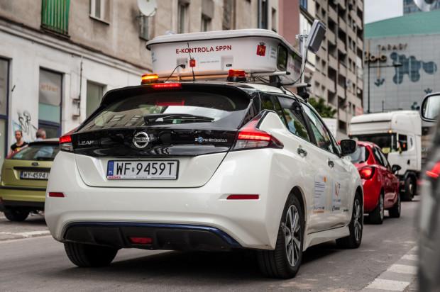Wkrótce wzorem Warszawy w Gdańsku pojawi się specjalnie wyposażony samochód do automatycznej kontroli opłat w SPP. W stolicy skala omijania opłat jest tak wielka, że miesięczny koszt funkcjonowania systemu e-kontroli zwraca się w zaledwie kilka godzin.