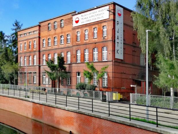 Siedziba Polsko-Japońskiej akademii Technik Komputerowych w Gdańsku.