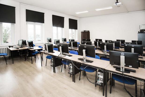 Laboratorium komputerowe.
