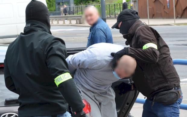 Policja zatrzymała już kilka osób związanych z wczorajszym incydentem.