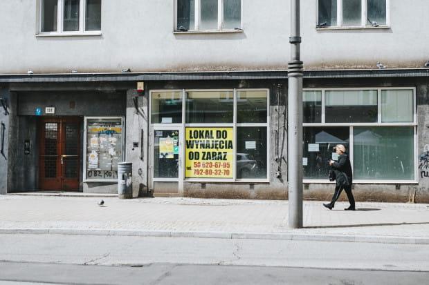Zamknięte lokale gastronomiczne z Gdyni. Na zdjęciu lokal po restauracji Familia.