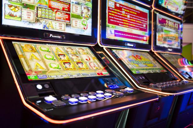 Oskarżono 11 osób ws. nielegalnego hazardu. Zdjęcie ilustracyjne.