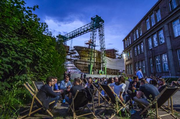 """Ulica Elektryków to nie tylko """"imprezownia"""". Odbywają się tu koncerty, spotkania, festiwale, dyskusje, warsztaty, wymiany roślin, targi rzemiosł i wiele innych."""