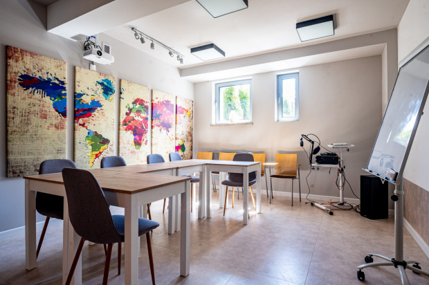 Aktualnie zajęcia odbywają się hybrydowo. W trakcie pandemii La Mancha stworzyła platformę językową, która będzie dydaktycznym wsparciem także po całkowitym powrocie do zajęć w szkole.