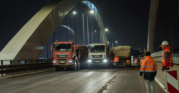 W nocy na wiadukt wjadą samochody ciężarowe o łącznej masie 448 ton.