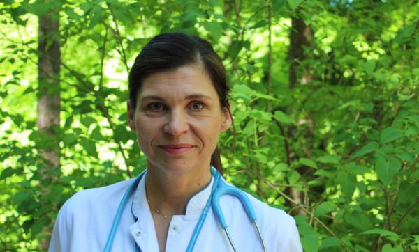 - W ciągu ostatnich lat widzimy bardzo dużą dynamikę wzrostu zachorowań na choroby atopowe, wśród których jest atopowe zapalenie skóry, ale też astma, alergiczny nieżyt nosa, pokrzywki - mówi dr Justyna Dolny.