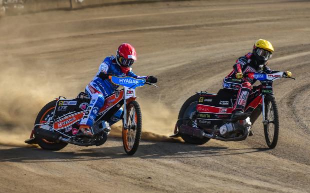 Zdunek Wybrzeże dopadł paraliż w wyścigach nominowanych. Podwójnie dał się pokonać nawet Wiktor Kułakow (z lewej), który wcześniej wygrał wszystkie swoje biegi.