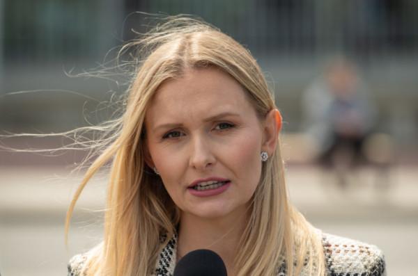 Prezesem Fundacji Łączy nas Polska została Natalia Nitek-Płażyńska, działaczka PiS.