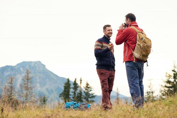 Spotkanie twarzą w twarz ze znajomym ze studiów może zepsuć urlop. Zdjęcie ilustracyjne.
