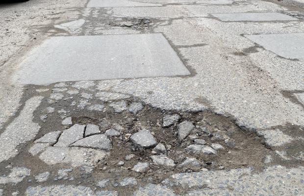 Dużym mankamentem dróg w Trójmieście są dziury. Zdaniem naszego czytelnika pod tym względem mocno odstajemy od pozostałej części kraju.