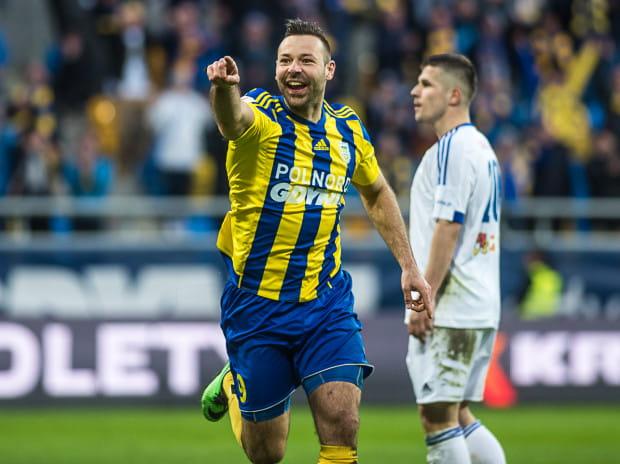 Paweł Abbott w mistrzowskim sezonie 2015/16 strzelił 12 goli dla Arki Gdynia.