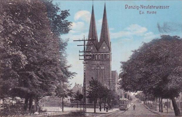 Kościół przy ul. Oliwskiej w Nowym Porcie na widokówce z początku XX wieku.