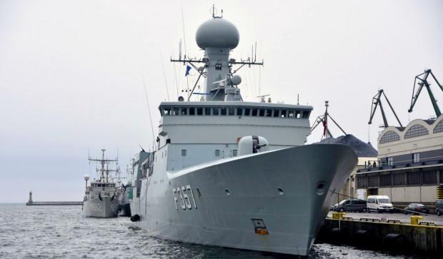 Okręty NATO regularnie cumują w gdyńskim porcie.