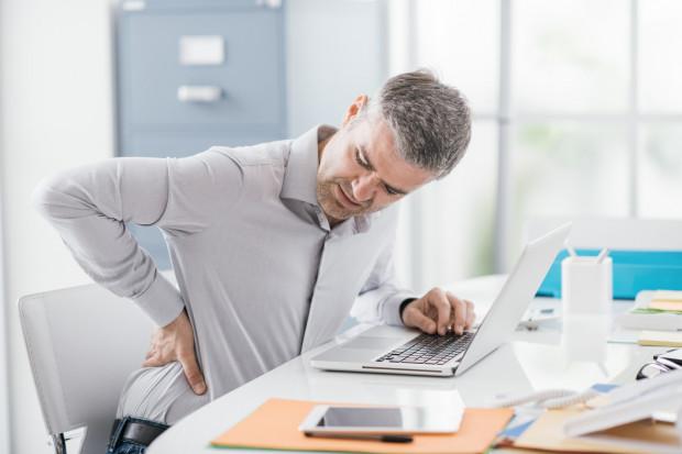 W badaniu aż 84 proc. respondentów przyznało, że przynajmniej raz doskwierał im ból kręgosłupa. Co gorsza, siedmiu na dziesięciu Polaków uskarża się na przewlekły nawracający ból.