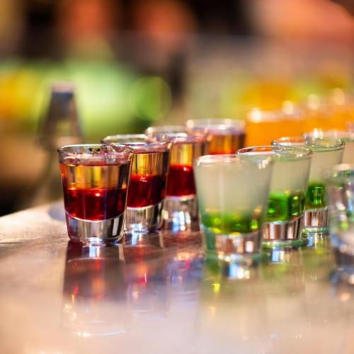 W Lumi Shot Bar codziennie w godz. 12-16 obowiązuje zniżka na shoty.