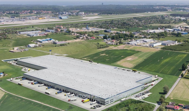 Hale Panattoni powstają w okolicy lotniska w Rębiechowie.