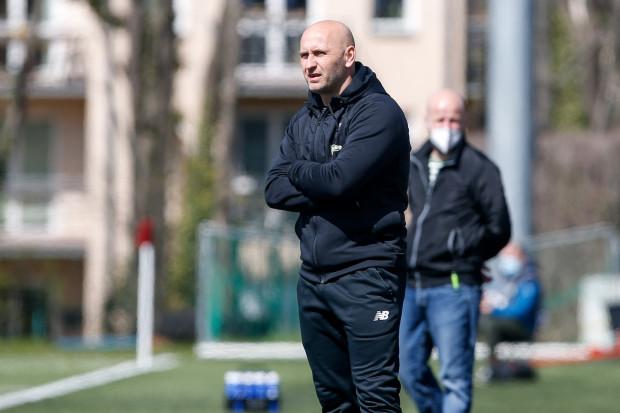 Maciej Duraś to obecny koordynator Akademii Lechii Gdańsk i trener zespołu rezerw. Swoją funkcję będzie pełnił do końca czerwca.