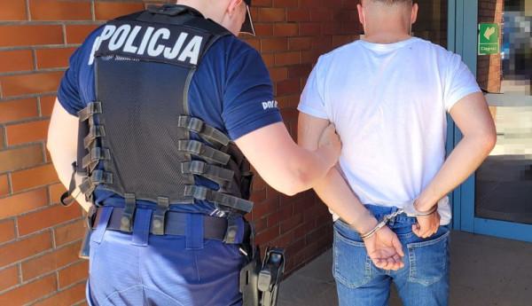 Mężczyźni wieczór kawalerski skończyli na policji.