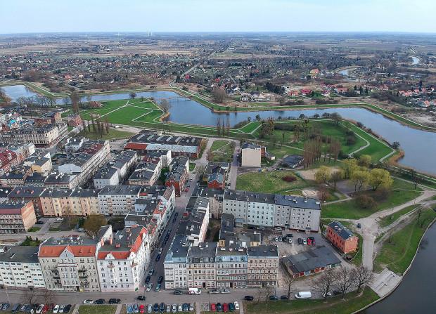 Umowa na zagospodarowanie terenów Dolnego Miasta została ujawniona.