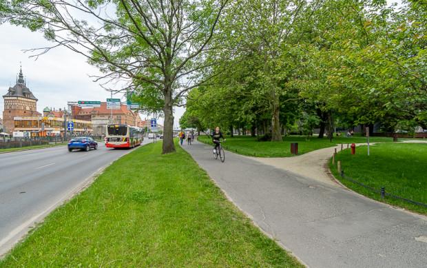 Budowa drogi rowerowej pozwoli rozdzielić ruch pieszych i rowerzystów w rejonie Forum Gdańsk i Huciska.