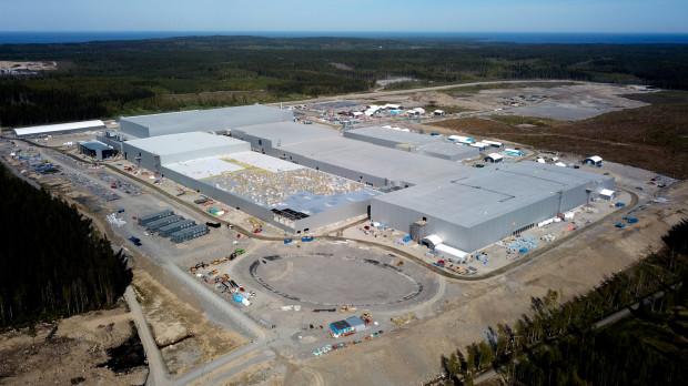 Firma Northvolt pozyskała kapitał o wartości 2,75 mld dolarów (ok. 10 mld zł) na dalszy rozwój. Jest to największa tego typu transakcja w Europie i druga pod względem wartości na świecie. Na zdjęciu gigafabryka Northvolt w Szwecji.