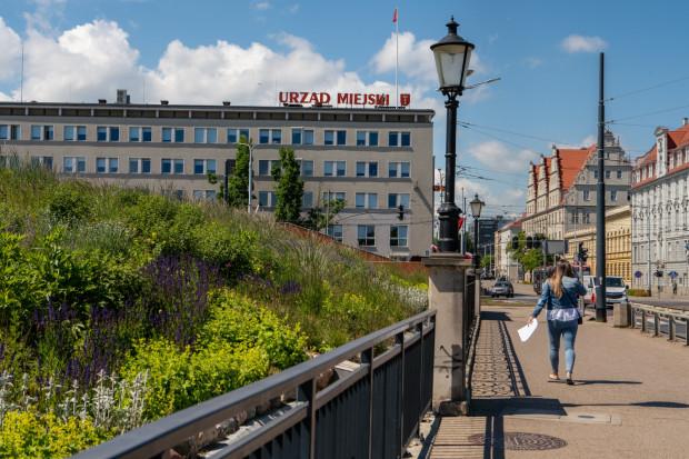 Urząd Miejski w Gdańsku zapewnia, że na pisma składane przez mieszkańców i radnych odpowiada na bieżąco. Perypetie naszej czytelniczki dowodzą, że nie zawsze.