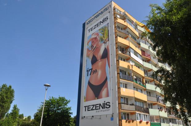Wielkoformatowa reklamy na falowcach na Przymorzu również są zgodne z zapisami uchwały.
