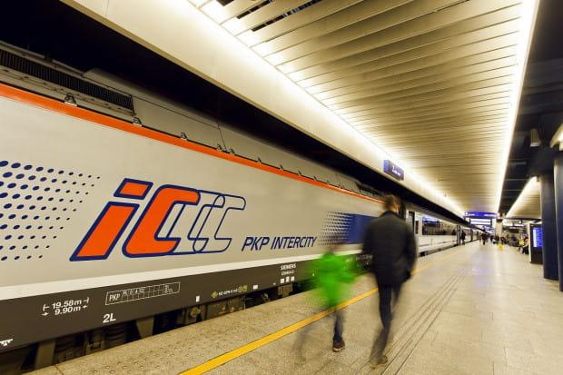 Trasa pomiędzy stolicą a Trójmiastem należy do najpopularniejszych, w wakacyjne weekendy dodatkowo będzie ją obsługiwać pociąg IC Lazur relacji Łódź Fabryczna - Gdynia - Łódź Fabryczna.