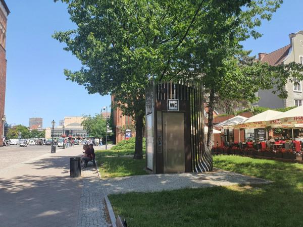 W Trójmieście jest kilkadziesiąt miejskich toalet.