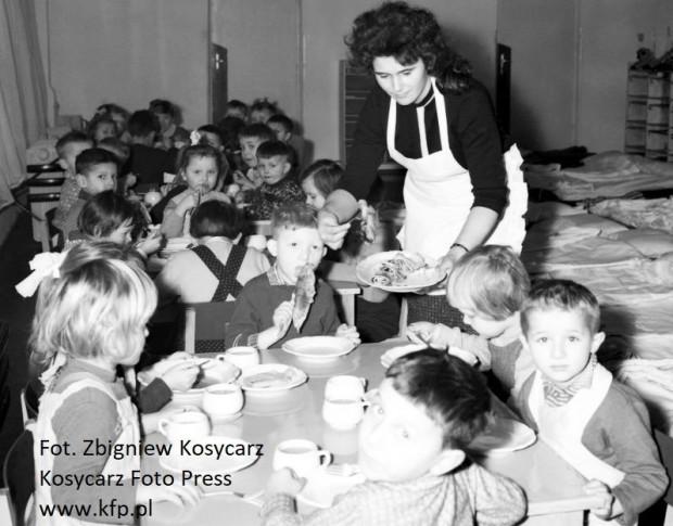 Jedzenie niektórych posiłków w przedszkolu było czasem nie lada wyzwaniem.
