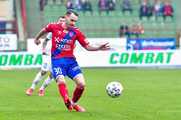 Miłosz Szczepański stracił ostatni sezon ze względu na kontuzję. Wcześniej był podstawowym piłkarzem Rakowa tak w I lidze jak i ekstraklasie. Jego kontrakt wygasa 30 czerwca. Czy pomocnik przeniesie się do Lechii?