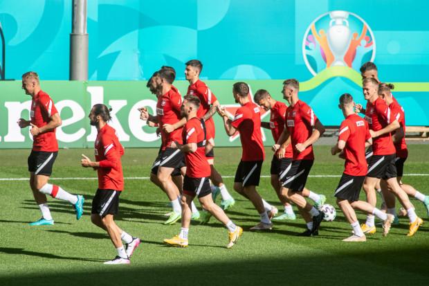 Reprezentacja Polski w trakcie Euro 2020 trenuje na stadionie Polsat Plus Arena Gdańsk. Tam podczas meczów biało-czerwonych będzie działać Strefa Kibica, która usytuowana została w pubie T29.