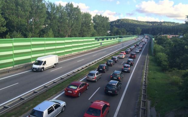 Natężenie ruchu powyżej 90 tys. pojazdów w ciągu doby to pewne korki w wielu miejscach na obwodnicy.