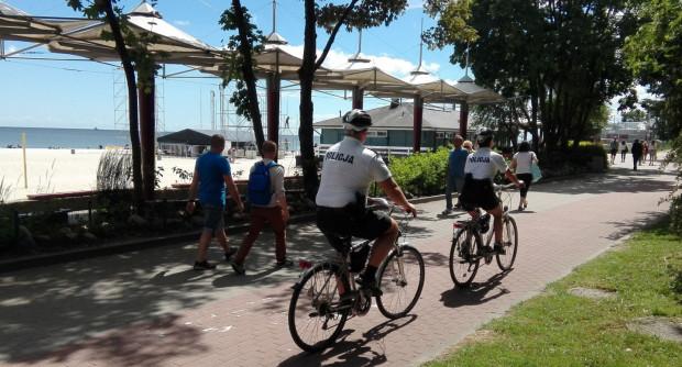 Policjanci patrolujący okolice plaż na rowerach to będzie teraz częsty widok.