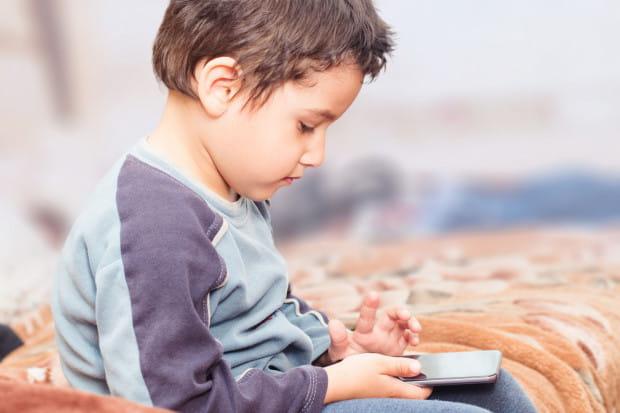- Dzieci z autyzmem to szczególnie wymagający odbiorcy. Przy tworzeniu aplikacji zawsze kierujemy się czterema najważniejszymi kryteriami, którymi są: prostota interakcji, powtarzalność, personalizacja oraz stabilność - wyjaśniają naukowcy.