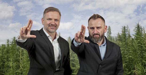 Piotr Liroy-Marzec wraz z ekspertami z branży konopnej i e-commerce stworzył LiRoyal, firmę oferującą olejki, suplementy i inne produkty CBD. Na zdjęciu od lewej: Maciej Sagal i Piotr Liroy-Marzec.