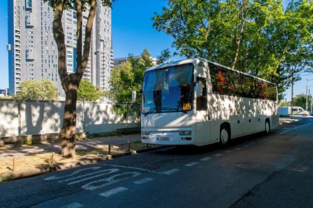 Autobusy mają wyznaczone w Gdyni cztery miejsca do parkowania w centrum.
