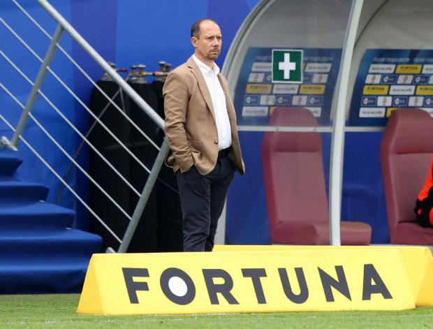 Dariusz Marzec będzie trenerem Arki Gdynia przez kolejny sezon. Dotychczas największym sukcesem tego szkoleniowca z żółto-niebieskimi jest finał Pucharu Polski.