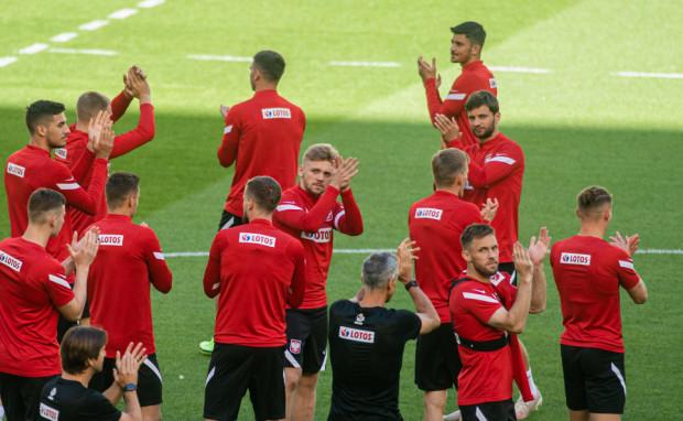 Jakub Moder (na zdjęciu pierwszy z lewej) mecz z Hiszpanią okupił kontuzją i może nie zagrać przeciwko Szwecji, który zadecyduje o tym, czy reprezentacja Polski awansuje do 1/8 finału Euro 2020 z 1. lub 2. miejsca w grupie E bądź odpadnie z turnieju.