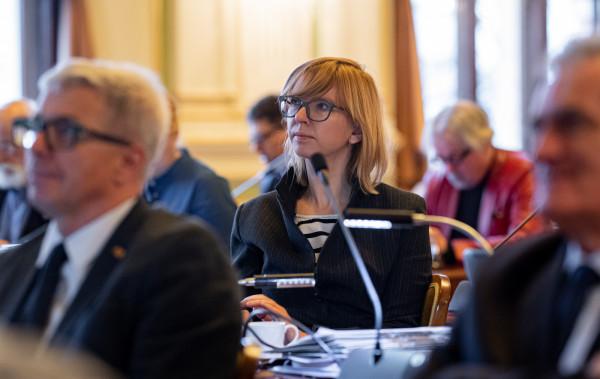 Miejska radna Anna Golędzinowska podziela obawy Rady Dzielnicy. Poprosiła o spotkanie z urzędnikami w tej sprawie.