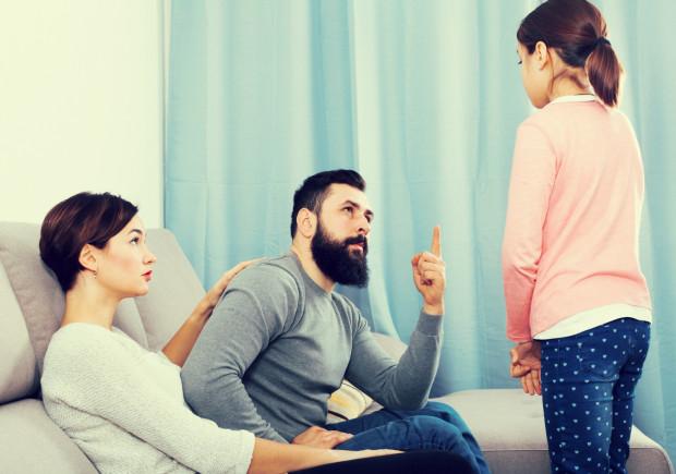Często nie wiemy, że możemy wychowywać dzieci inaczej, bez stosowania kar i nagród.