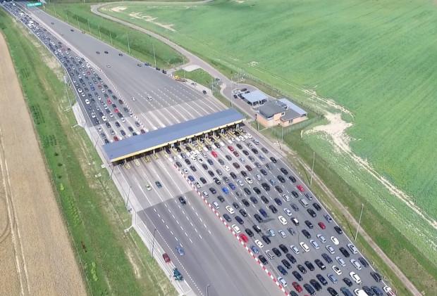Właściciele aut elektrycznych, którzy należą do EV Klub Polska, mogą bezpłatnie korzystać z odcinków autostrady A1 i A4.